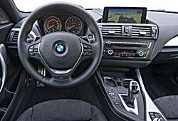 BMW Achtgang-Sportautomatik mit Schaltwippen am Lenkrad und Launch Control