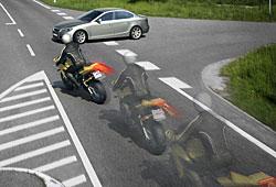 Motorrad-ABS ermöglicht beim Bremsen Ausweichmanöver