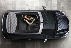 Citroen DS3 Cabrio von oben mit geöffnetem Dach
