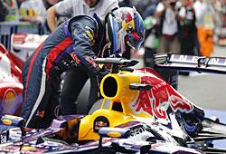 GP Belgien - Sebastian Vettel bedankt sich bei seinem Renngerät
