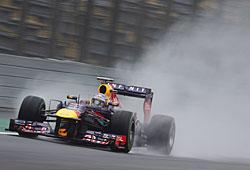 GP Brasilien - Qualifying: Sebastian Vettel im Regen auf dem Weg zu Platz eins