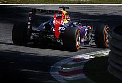 GP Italien - Sebastian Vettel zeigt den Verfolgern das Heck seines Red Bull