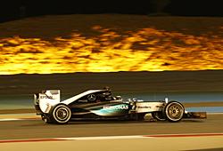 GP Bahrain - Rennen: Lewis Hamilton auf dem Weg zum dritten Saisonsieg
