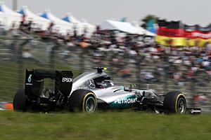 GP Japan- Rennen: Nico Rosberg auf dem Weg zum Sieg in Suzuka