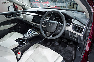 Honda Clarity Fuel Cell - Innenraum