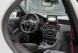 Mercedes A45 AMG Innenraumeinsicht