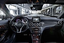 Mercedes CLA 45 AMG - Cockpit