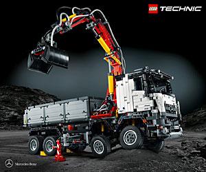 Mercedes Arocs 3245 Kipper als Lego-Bausatz