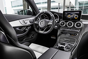 Mercedes-AMG C 63 S Coupé - Cockpit