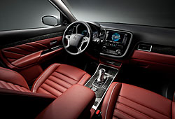 Mitsubishi Outlander PHEV Concept-S - Innenraum