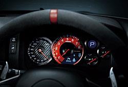 Nissan GT-R Nismo - Blick auf Lenkrad und Instrumentierung