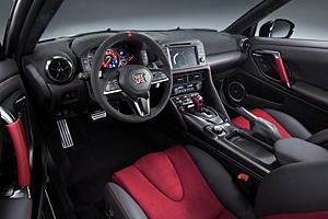 Nissan GT-R Nismo - Cockpit