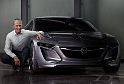 Opel-Vorstandschef Karl Thomas Neumann und das Opel Monza Concept