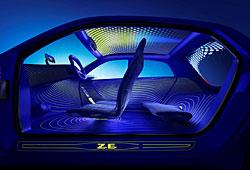 Renault Twin Z - Seitenansicht mit geöffneten Türen