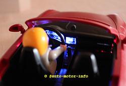 Playmobil-Porsche mit beleuchtetem Armaturenbrett