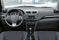Suzuki Swift X-TRA - Cockpit
