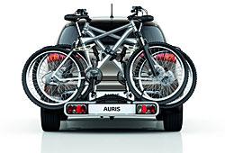 Toyota Auris mit integrierten Heckträger