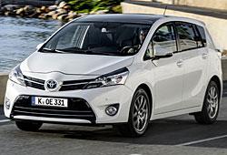 Toyota Verson seitliche Frontansicht