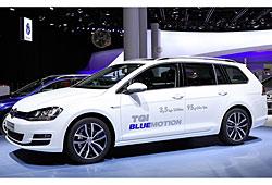 VW Golf Variant TGI Blue Motion in der Seitenansicht