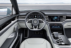 VW Cross Coupé GTE - Cockpit