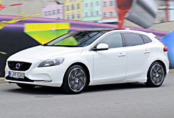 Volvo V40 in Polar Weiß
