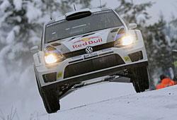WRC 2013 Schweden - Jari-Matti Latvala im Polo R WRC auf dem Sprung zu Platz vier