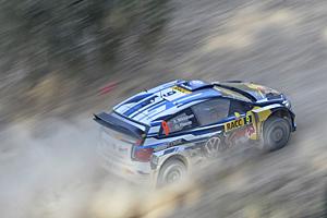 WRC 2015 - Rallye Spanien - Andreas Mikkelson auf dem Weg zum Sieg
