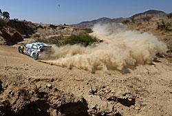 WRC 2015 - Rallye Mexiko Sébastien Ogier und Julien Ingrassia wirbeln viel Sand auf